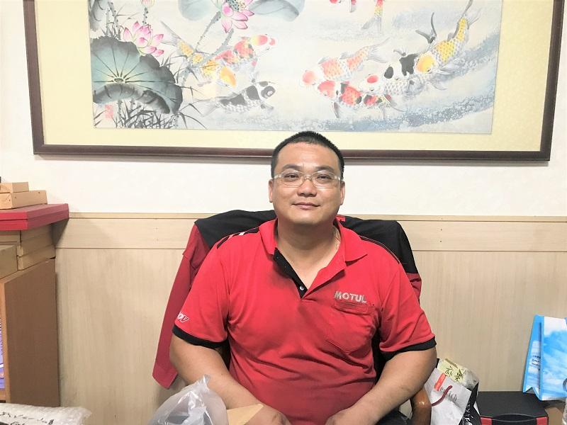 雲林縣斗南推薦修車廠保養廠輪胎行亦榮發汽車 老闆